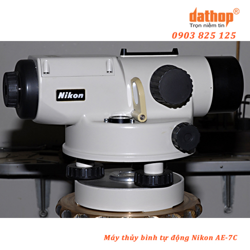 May thuy binh tu dong Nikon AE-7C