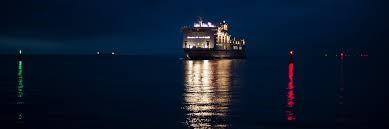 Đèn báo hiệu hàng hải là gì? Chức năng và ứng dụng