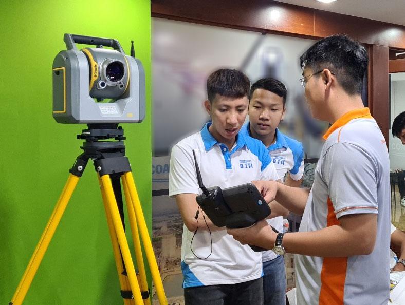 Đất Hợp chuyển giao Máy toàn đạc quét laser 3D Trimble SX12 đầu tiên tại Việt Nam