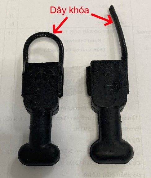 Giắc cắm bảo vệ bị đứt khi rút trước khi mở dây khóa
