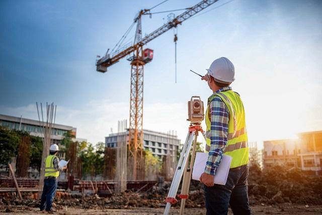 Sử dụng máy toàn đạc để thi công công trình nhà cao tầng